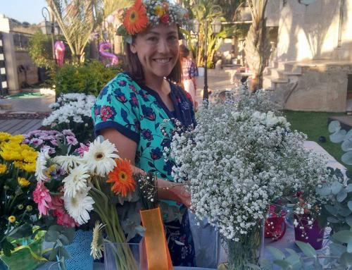 How One Olah Brings Happiness Through Flowers